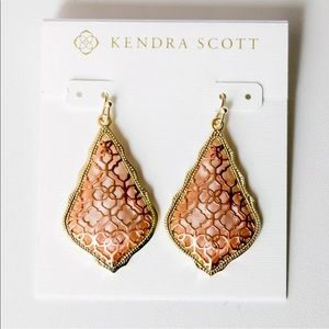 NWT Kendra Scott Gold Addie Earrings Rose Gold Fil